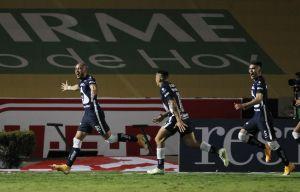 Pumas rescató el invicto con gol de último minuto ante los Tigres de Gignac