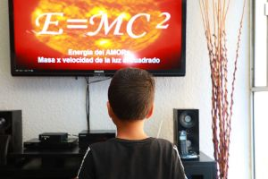Entre la zozobra e inquietud, 24 millones de estudiantes regresan a clases  México, serán por televisión