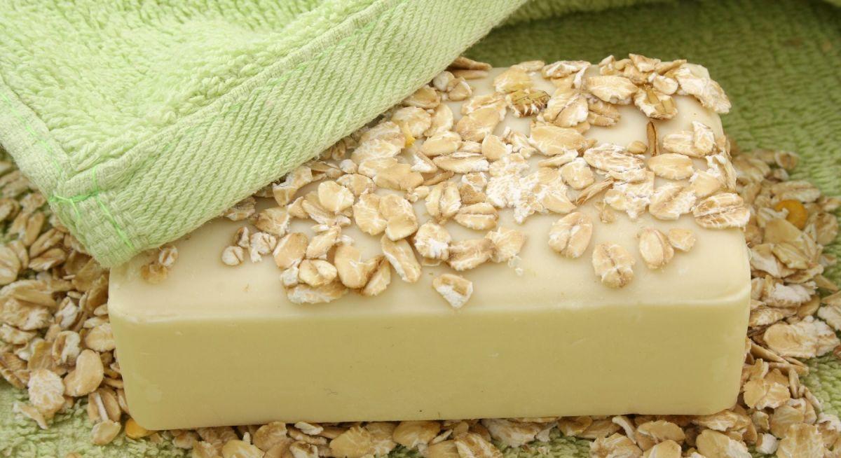 Los 4 mejores jabones de avena para hidratar y exfoliar tu piel al mismo tiempo