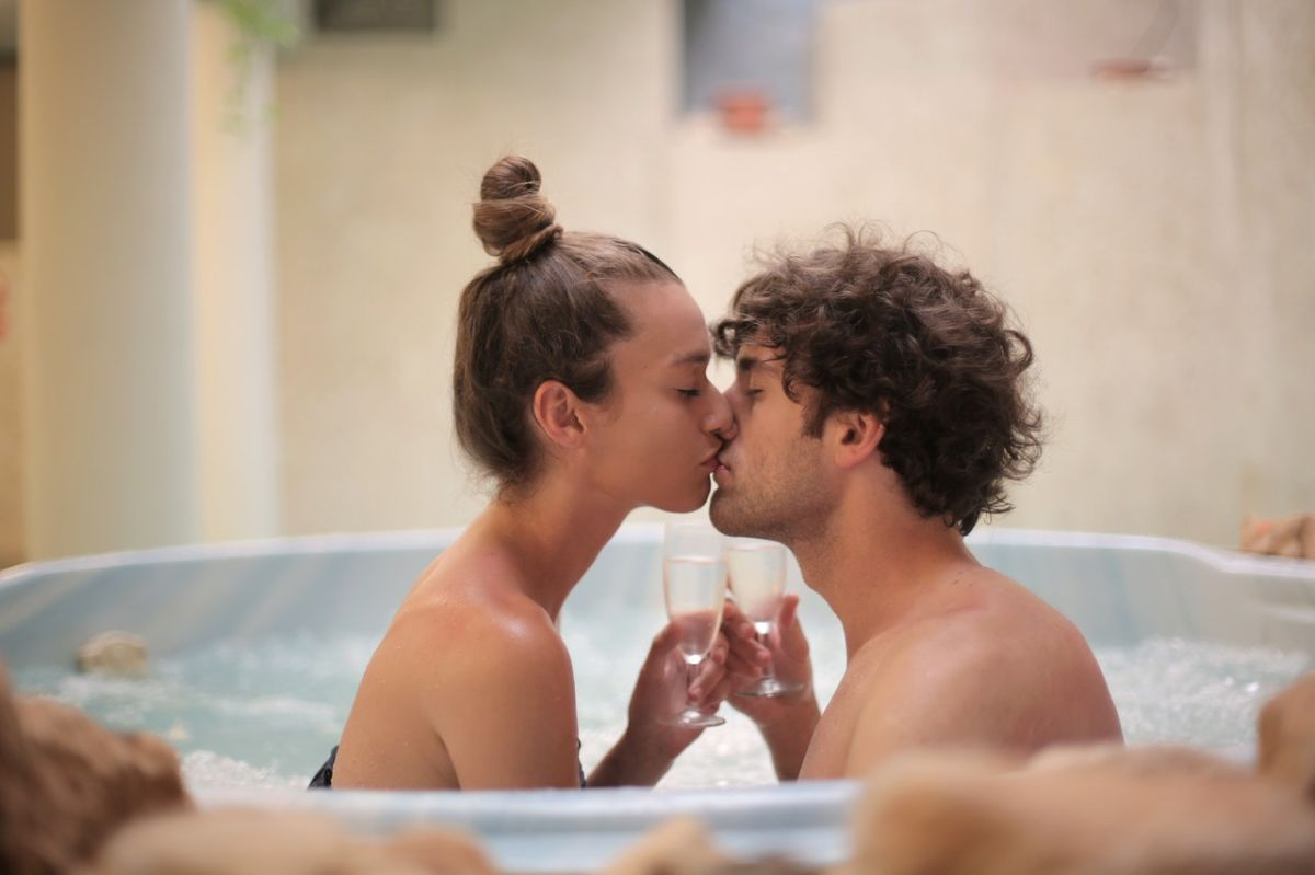 ¿Qué sucede cuando mezclas alcohol con sexo?