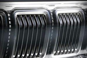 Jeep continúa con las imágenes sobre la Grand Wagoneer con vista de la silueta