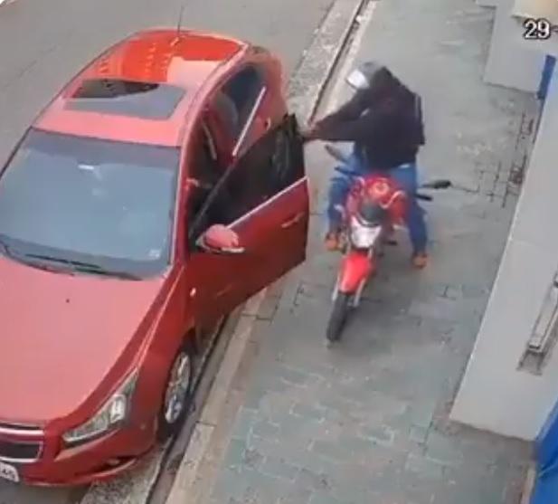 VIDEO: Asaltante mata a automovilista en Brasil pese a que no puso resistencia