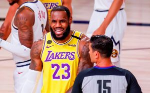 """Nuevo jersey: LeBron James reveló la """"alegre"""" vestimenta que usará en Space Jam 2"""