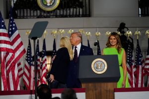 "La ""mirada asesina"" de Melania Trump a Ivanka se robó el show en Convención Nacional Republicana"
