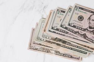 A cuánto se vende el dólar hoy en México: El peso logra recuperarse