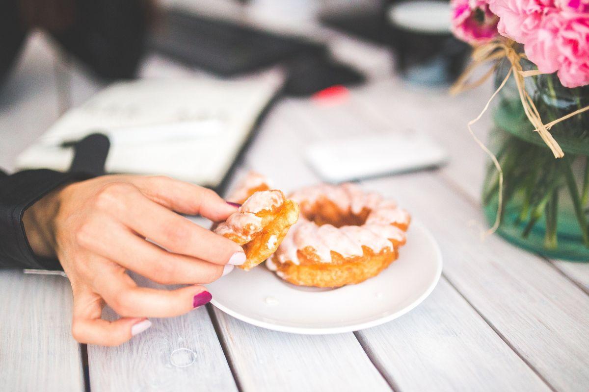 Conoce los mejores consejos creados por especialistas para seguir una dieta sin azúcar.