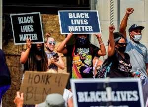 Protestas desbordan Filadelfia después de la muerte de un afroamericano por la policía