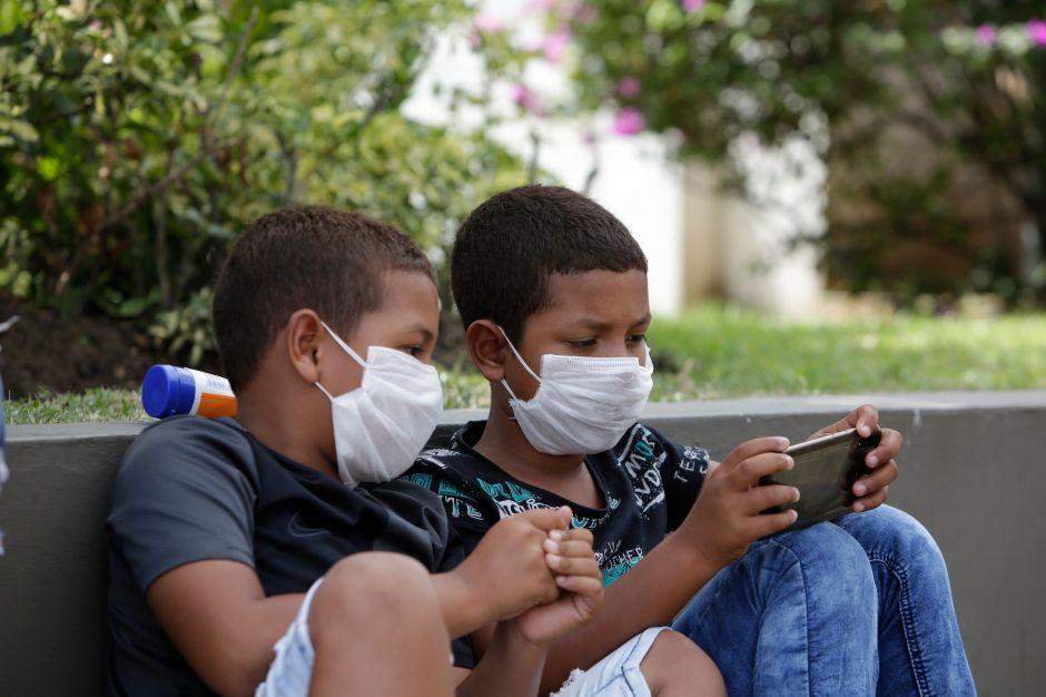 ¿Por qué el COVID-19 está matando a niños latinos en tasas alarmantes?