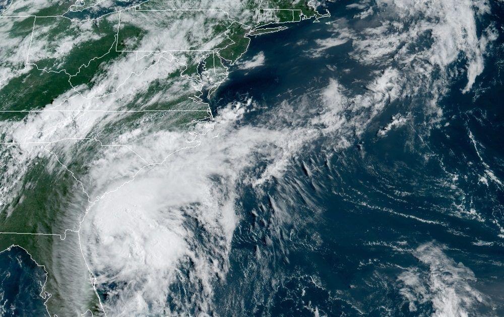 La tormenta Isaías volvió a ser huracán.
