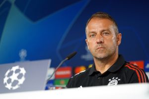 Alto contraste: El éxito de Hans Flick, entrenador del Bayern, es lo que buscaba el Barcelona cuando llegó Quique Setién