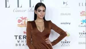 Usando leggings que parecen pintados en su cuerpo, Georgina Rodríguez presume su retaguardia encerrada en un elevador