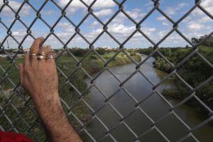 ¿Cómo funcionaría el muro flotante contra indocumentados que impulsa Donald Trump?