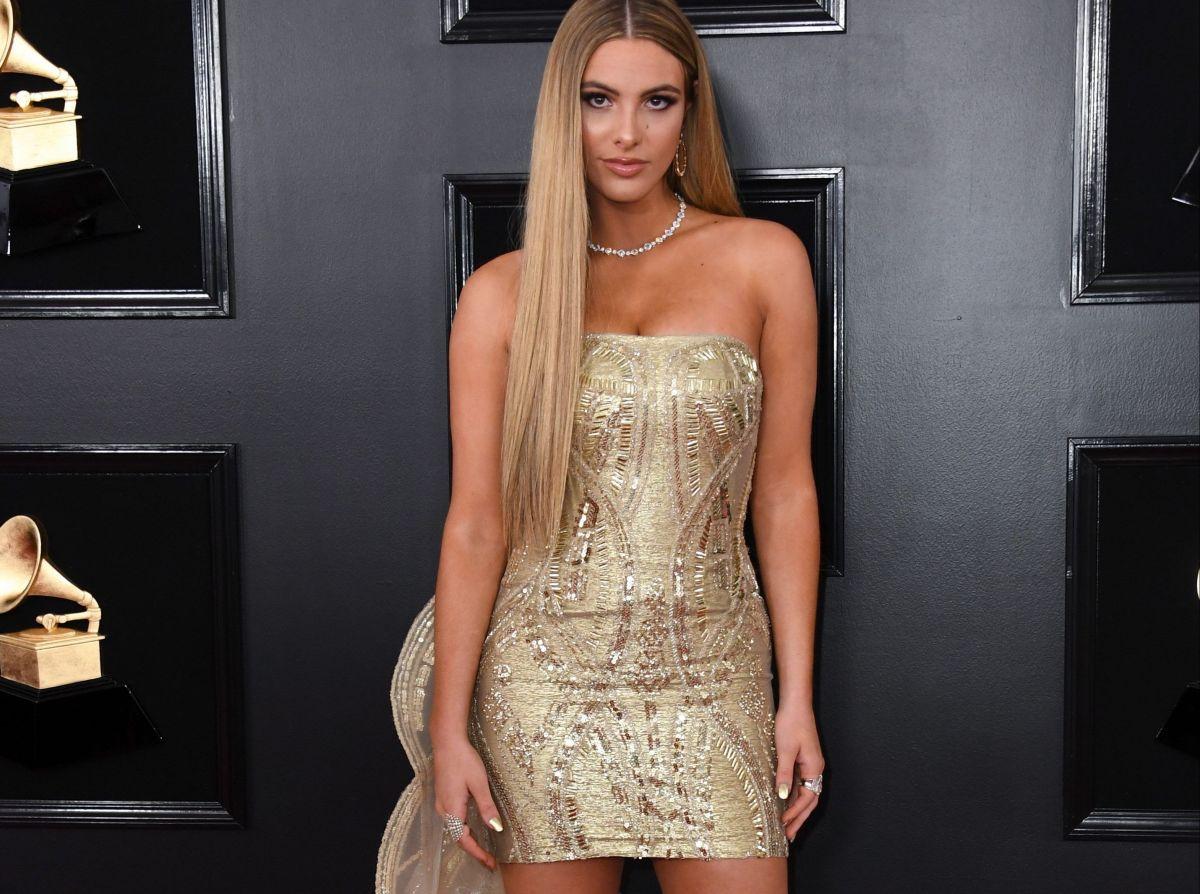 Lele Pons luce espectacular presumiendo sus curvas en brillante vestido escotado de Giannina Azar