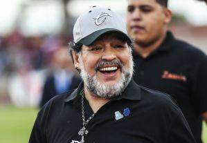 Le pagaron con videos del Chavo del 8: El día que Maradona cobró de forma extraña por una entrevista