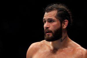 VIDEO: Jorge Masvidal se da un respiro de UFC y compite en cornhole contra el campeón mundial