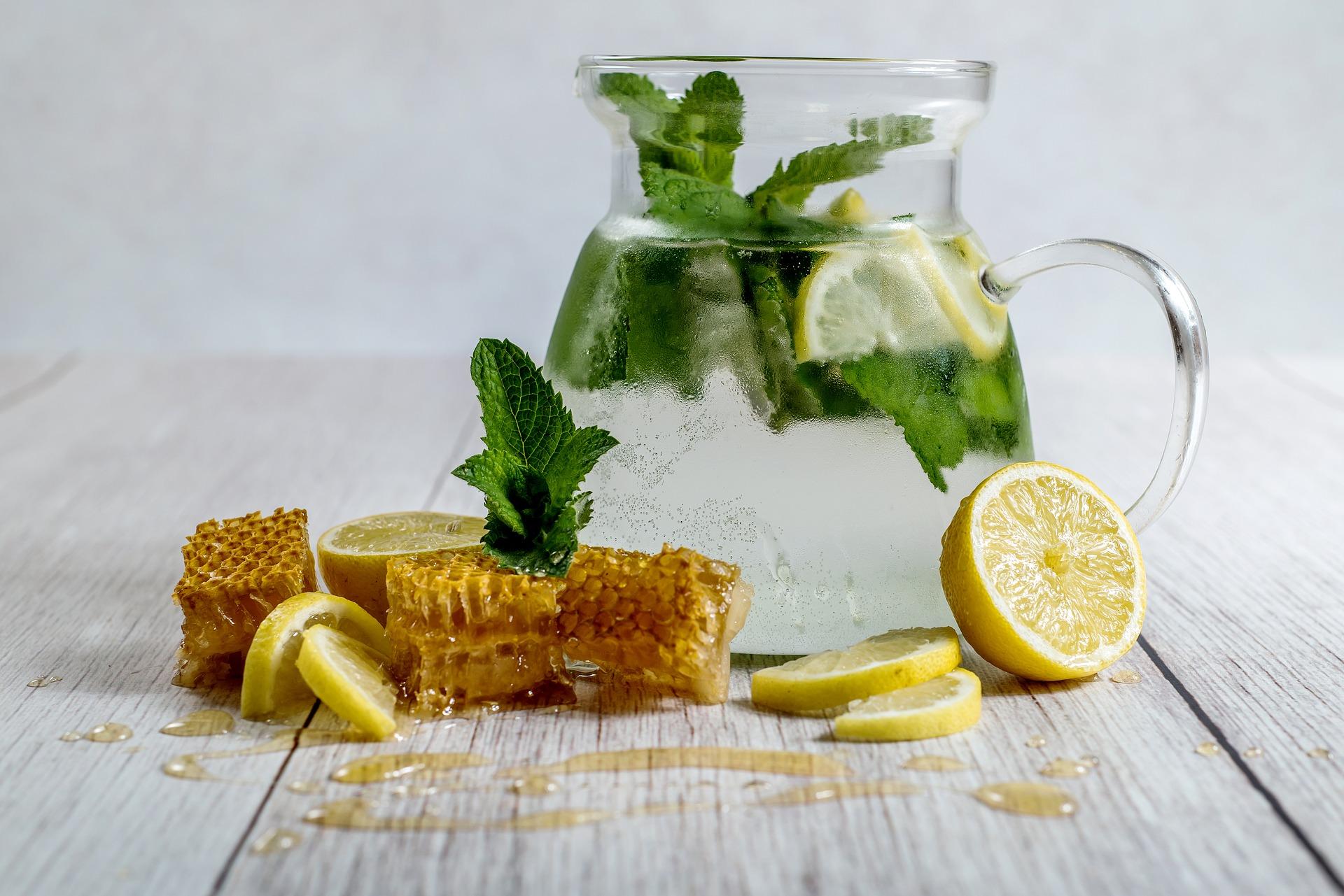Agua de limón.
