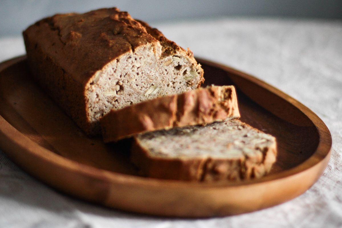 Exquisita receta de pan saludable de manzana, es saciante y muy rica en fibra.