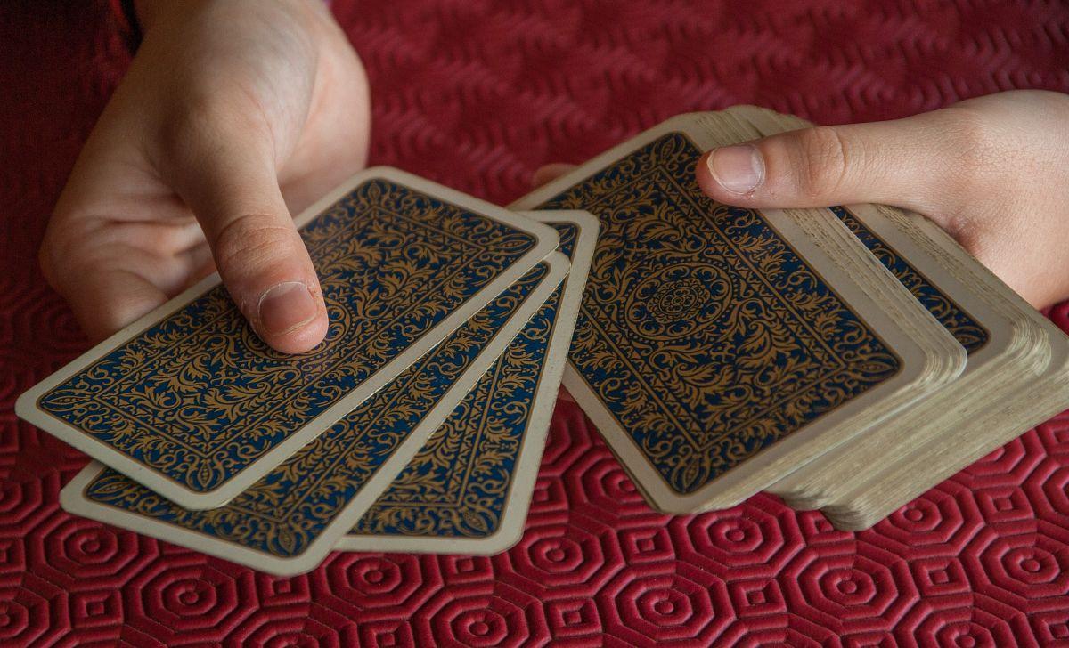 Las cartas invertidas en el tarot ¿qué significan?