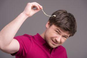 Cómo quitar la goma de mascar del cabello de forma efectiva