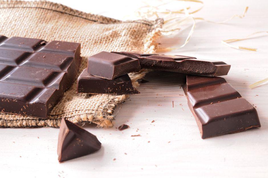 ¿Con antojos? 3 beneficios que te aporta el comer chocolate negro