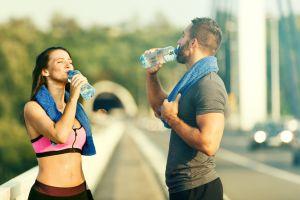 ¿Qué otras bebidas tomar para hidratarse además de agua?