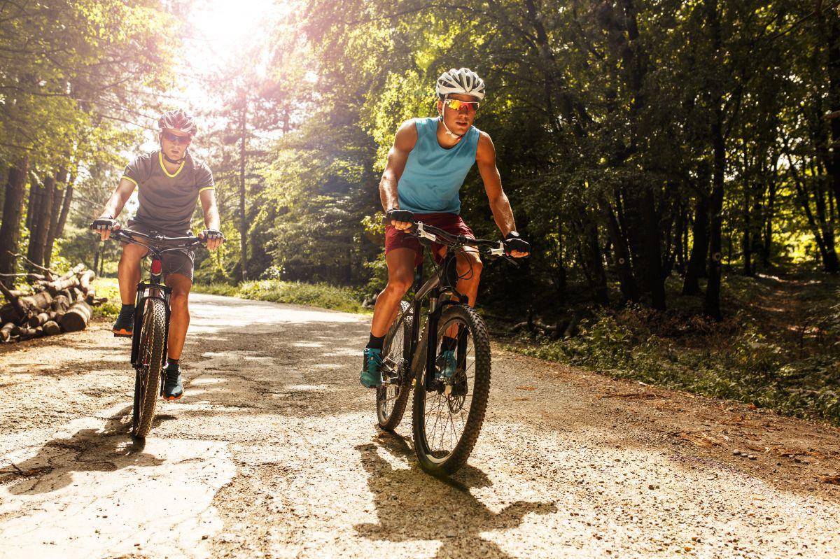 Los mejores accesorios y productos que todo ciclista debe tener