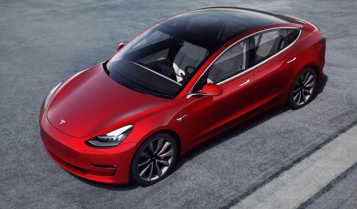 Tesla Model S Plaid conducido por Johannes Van Overbeek