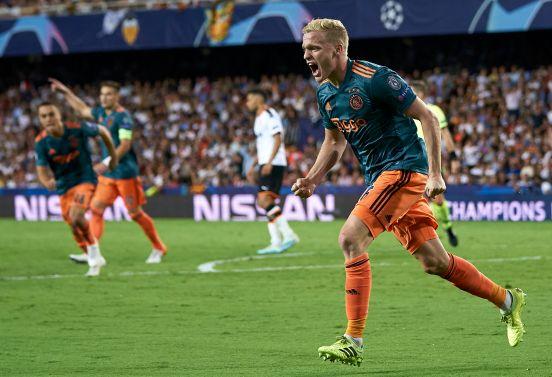 Donny van de Beek, uno de los jugadores holandeses que podría llegar al Barcelona.