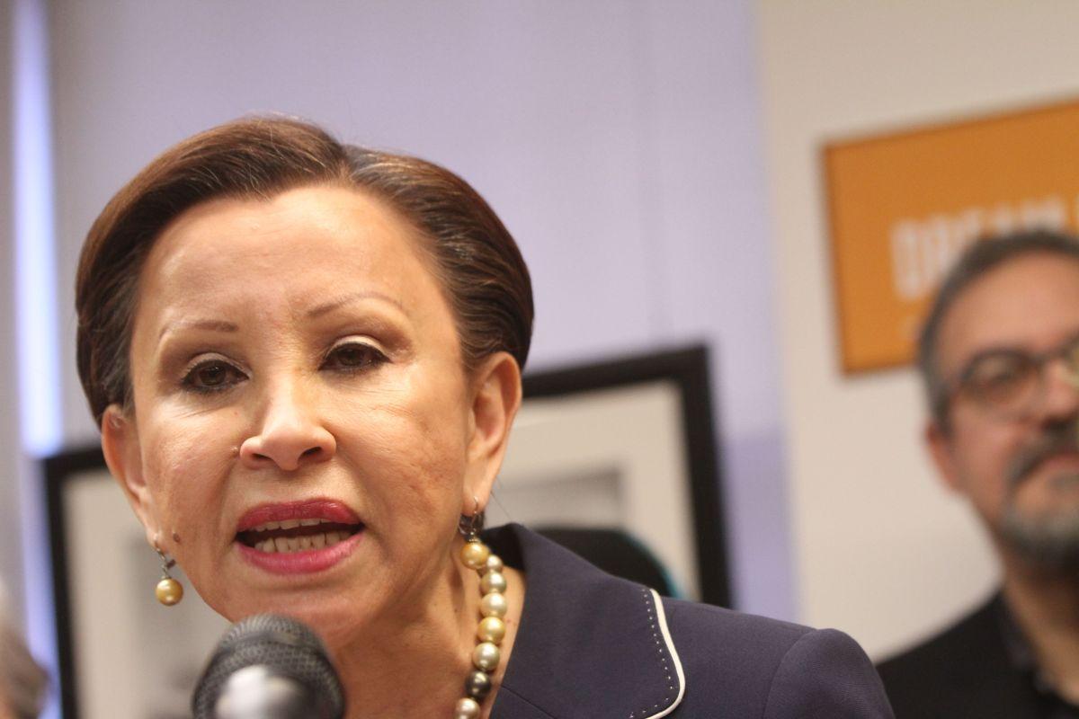La representante Nydia Velázquez es una de las que se opone al nuevo plan bipartidista de estímulo presentado en el Congreso de EEUU.