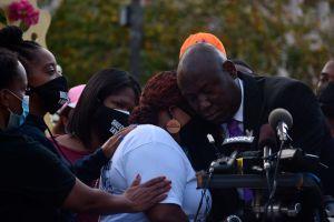 """Abogado y familia de Breonna Taylor anticipan que las """"calles seguirán calientes"""" en reclamo de justicia"""