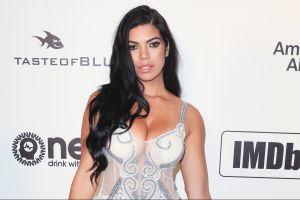 En lencería semitransparente, Suelyn Medeiros se burla de la censura de Instagram