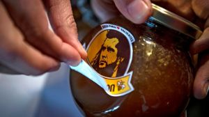 """Miel Gibson: la marca chilena de miel cambia de logo tras las """"amenazas"""" de los abogados del actor de Hollywood"""