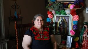 """Las """"damas banqueras"""" que están salvando a muchos latinos durante la pandemia de coronavirus"""