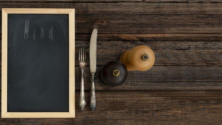¿Cómo llegaron la sal y la pimienta a estar juntas en (casi) todas las mesas del mundo?