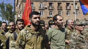 Por qué recrudeció el conflicto entre Armenia y Azerbaiyán (y qué papel juegan Rusia y Turquía)