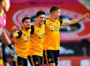 """Raúl Jiménez presenta la nueva """"armadura"""" del Wolverhampton y se parece a la de una selección"""