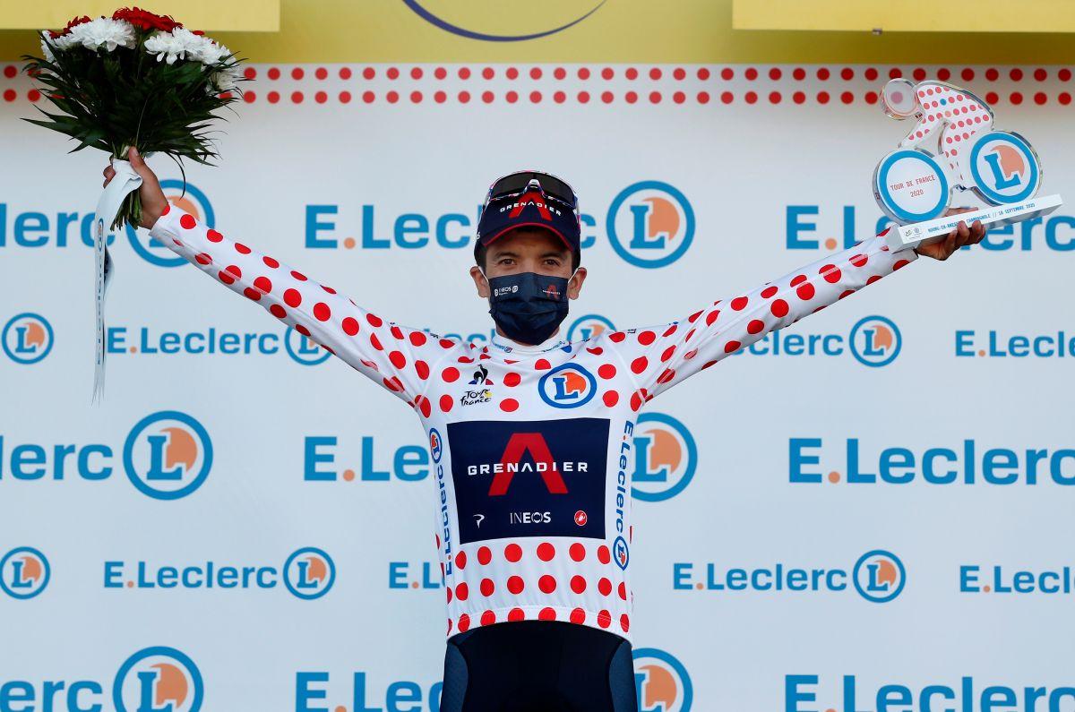 Carapaz vestía el maillot de puntos rojos desde la etapa 18.