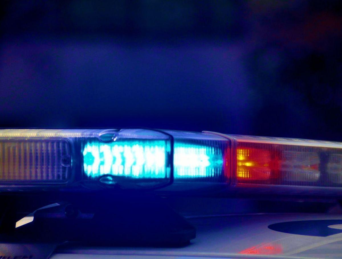 ICE arresta a inmigrantes usando luces azules en sus autos como si fueran policías