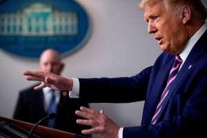 Trump presume millonaria asignación de fondos a Puerto Rico por huracán María; líderes lo tildan de cínico y politiquero