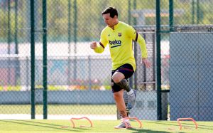Messi vuelve a entrenar con el Barcelona; está separado de sus compañeros