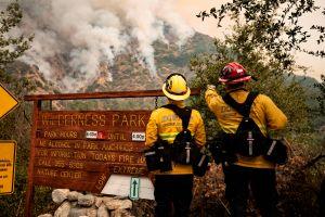 Continúa la alerta de evacuaciones por el Bobcat Fire de Los Ángeles
