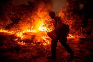 Logran importante avance en la contención del incendio Bobcat Fire