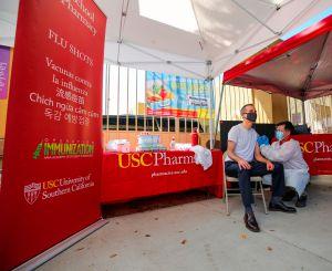 Inician campaña de vacunación gratuita contra la gripe en Los Ángeles