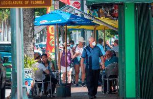 Florida pasó de 738 a 3,226 casos nuevos en 24 horas. Las muertes ascendieron de 5 a 106