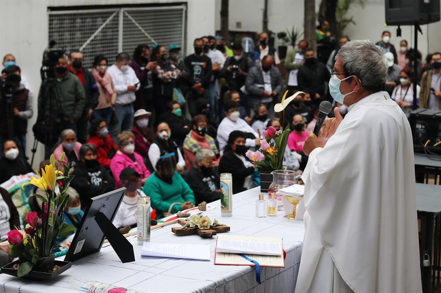 Damnificados de los sismos en México