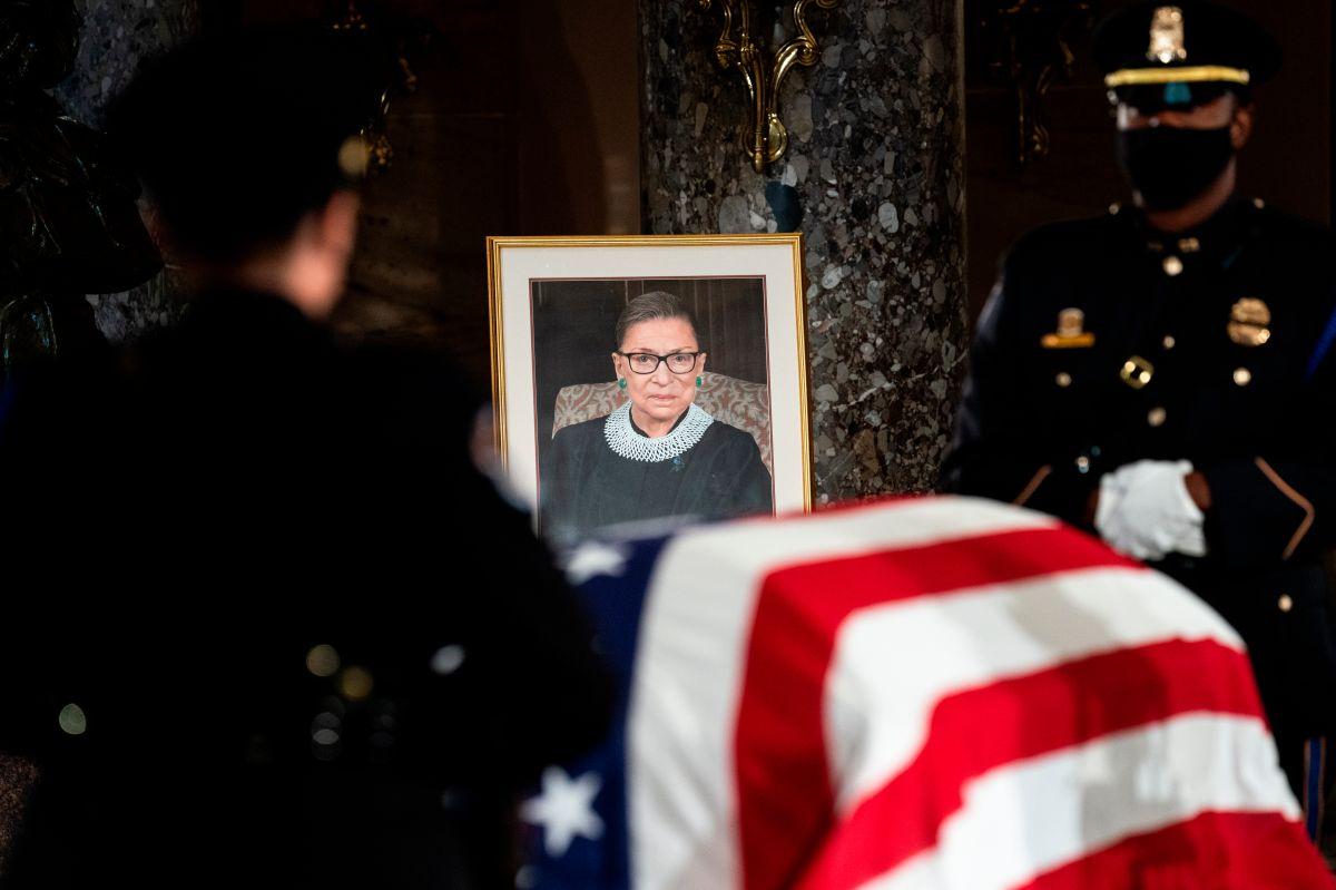 Velatorio de la jueza Ruth Bader Ginsburg en Statuary Hall en el Capitolio en Washington, DC.