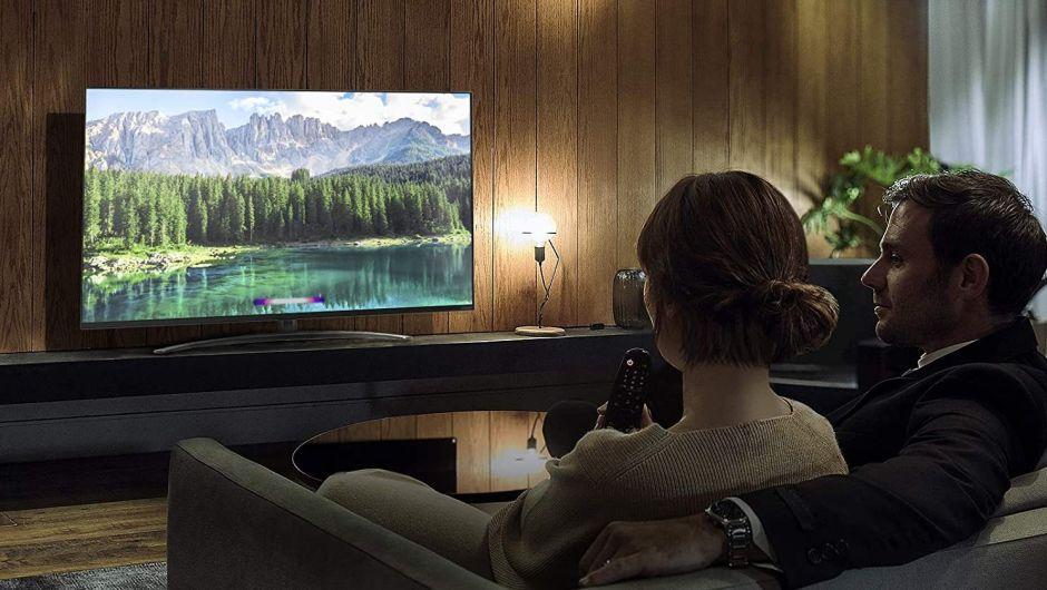 Samsung vs. LG: ¿Cuál es el mejor televisor de pantalla gigante para tener en casa?