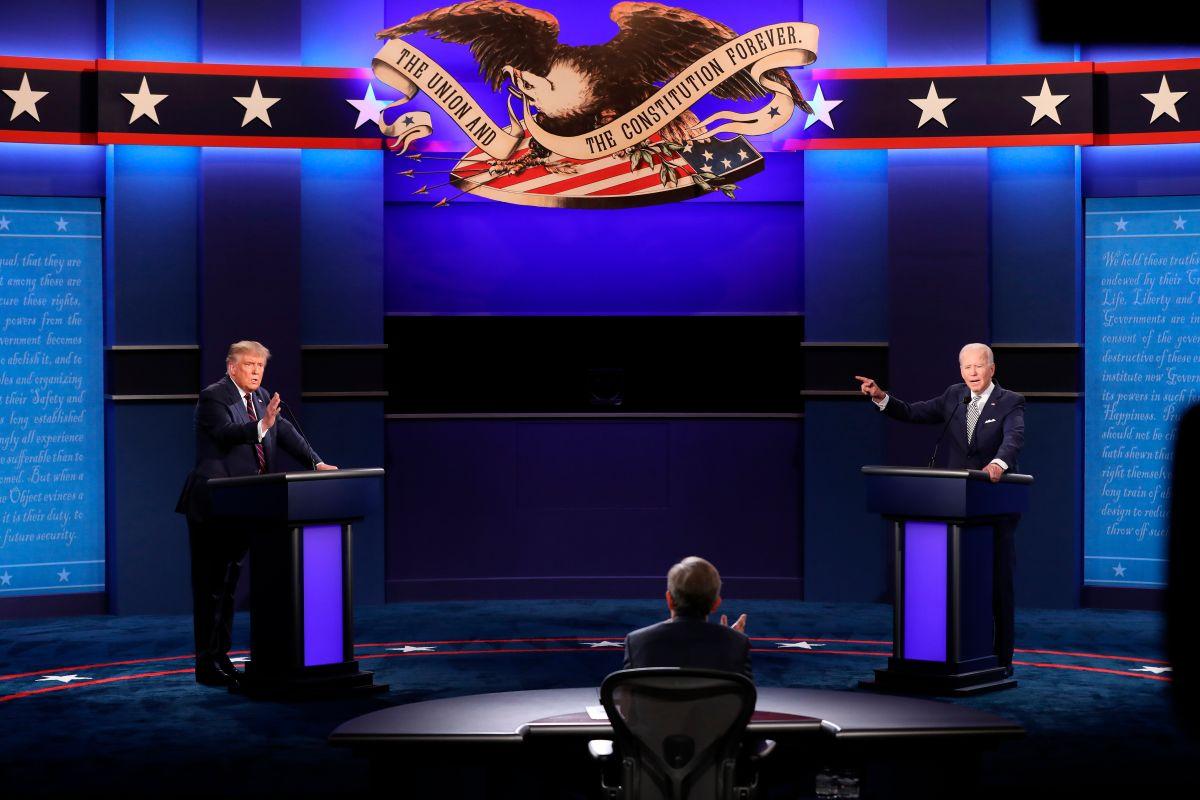 Biden y Trump tendrán sus micrófonos cortados en partes del último debate presidencial