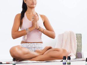 ¿Sufres de ataques de ansiedad? Usa estas opciones de aceites esenciales para aromaterapia que calmará tus nervios