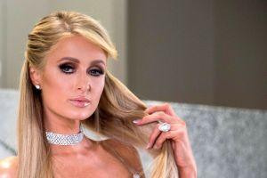 Paris Hilton tiene utensilios de cocina adornados con cristales de Swarovski